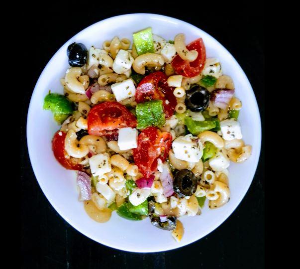 pastasalade als lunch. Een goede broodvervanger