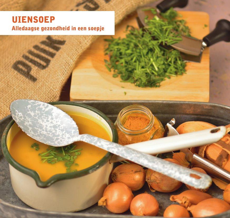Uien-knoflook-kurkuma-zoete aardappelsoep